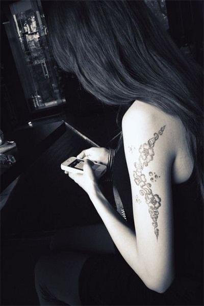 霸气女生纹身超拽皮肤大图八张图片