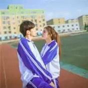 青涩学生校园情侣头像一对两张