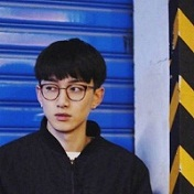最新韩系帅气男生头像精选十六张