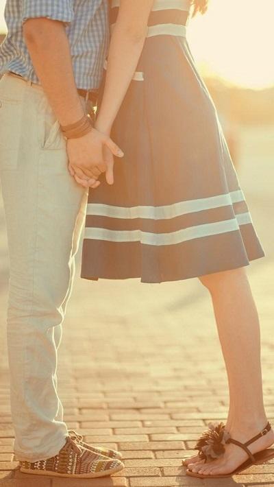 唯美低调秀恩爱情侣牵手皮肤精选八张