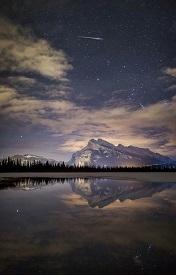 精选浩瀚星空与美丽湖水的唯美风景皮肤